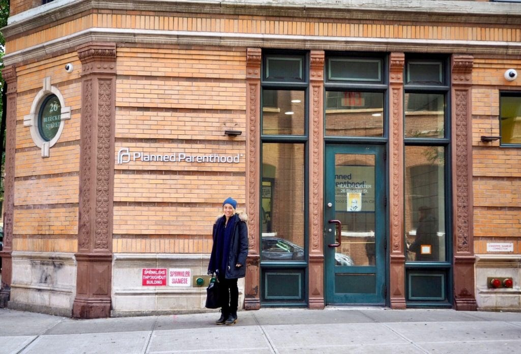 Amy Richards in front of the original Planned Parenthood in NYC, the first stop of the feminist walking tour © | Nikki Vargas/Unearth Women