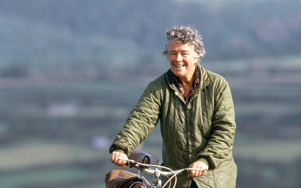 Dervla Murphy and her bicycle © | The Telegraph/2011 GAMMA-RAPHO/NUTAN
