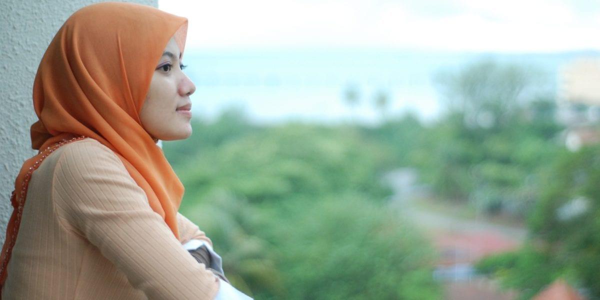A young Muslim woman traveling ©   Azuan Hashim/Pixabay