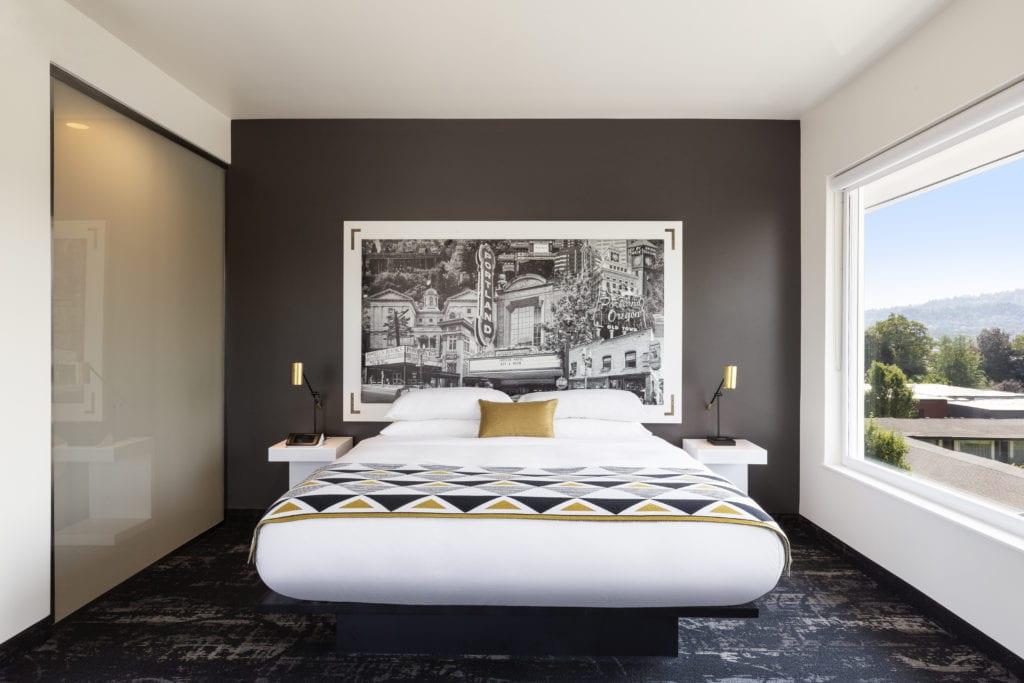 Guest bedroom at the Jupiter NEXT Hotel | © Chris Dibble