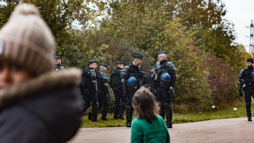 The French Compagnies Républicaines de Sécurité (CRS) during an eviction of Grande Synthe on October 23, 2018 | © Adrian