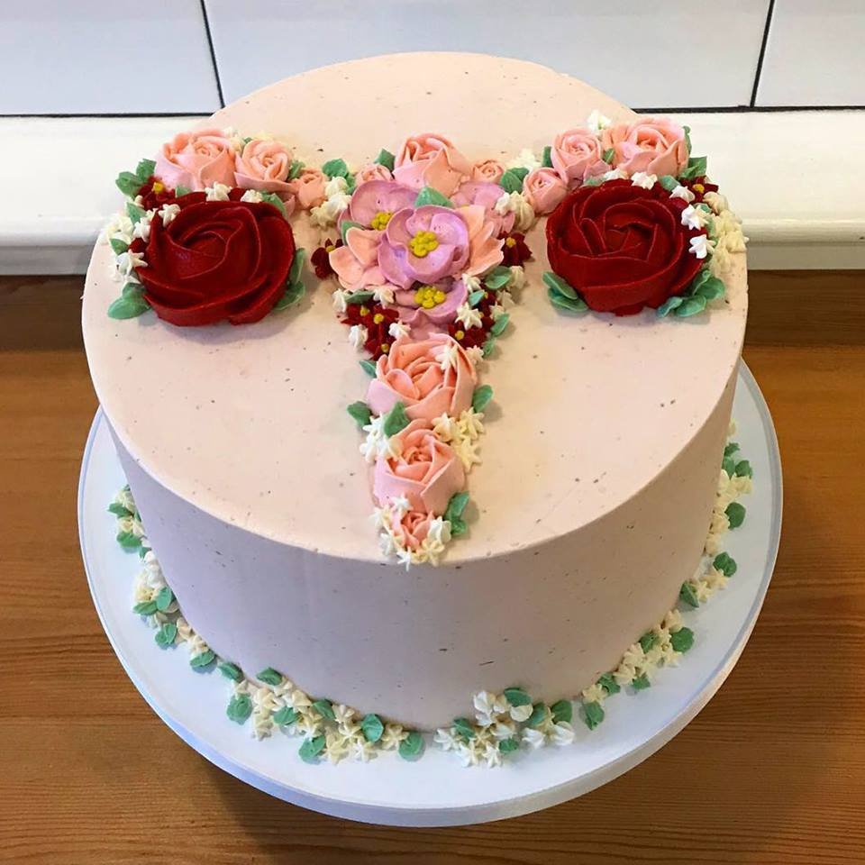 A uterus-inspired cake at Cake Life Bakeshop | © Cake Life Bakeshop's Facebook Page