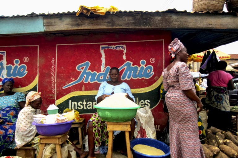 Women selling goods in Lagos | © Jordi C/Shutterstock