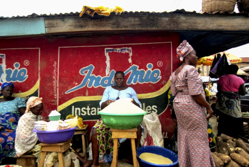 Women selling goods in Lagos   © Jordi C/Shutterstock