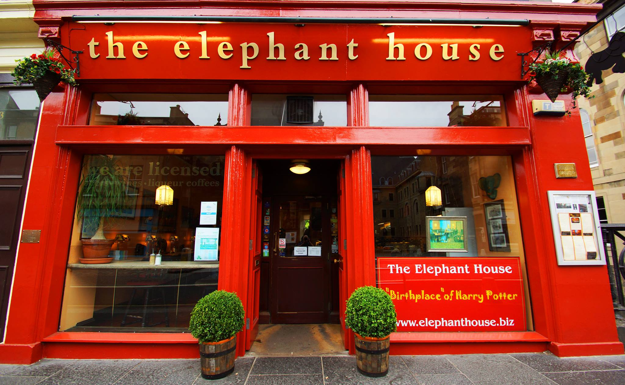 Front entrance of the elephant house. | © Facebook/The Elephant House