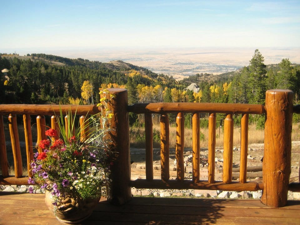 View from Sunburst Lodge B&B in Wyoming | © Sunburst Lodge Facebook Page