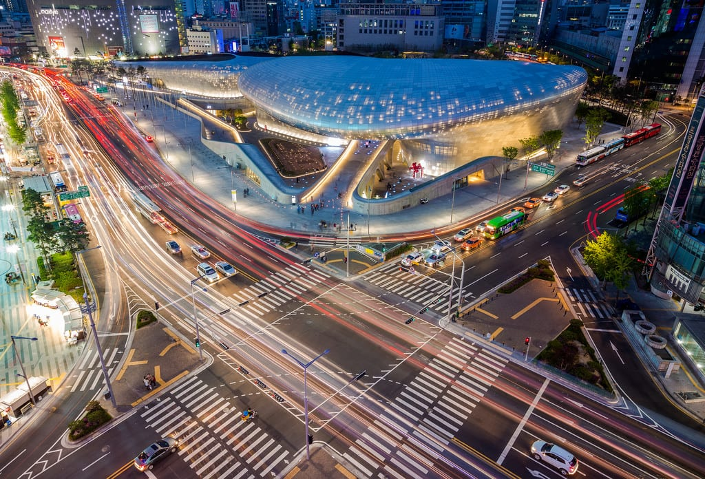 Dongdaemun Design Plaza & Park exterior at night in Seoul, South Korea | © Flickr/Douglas