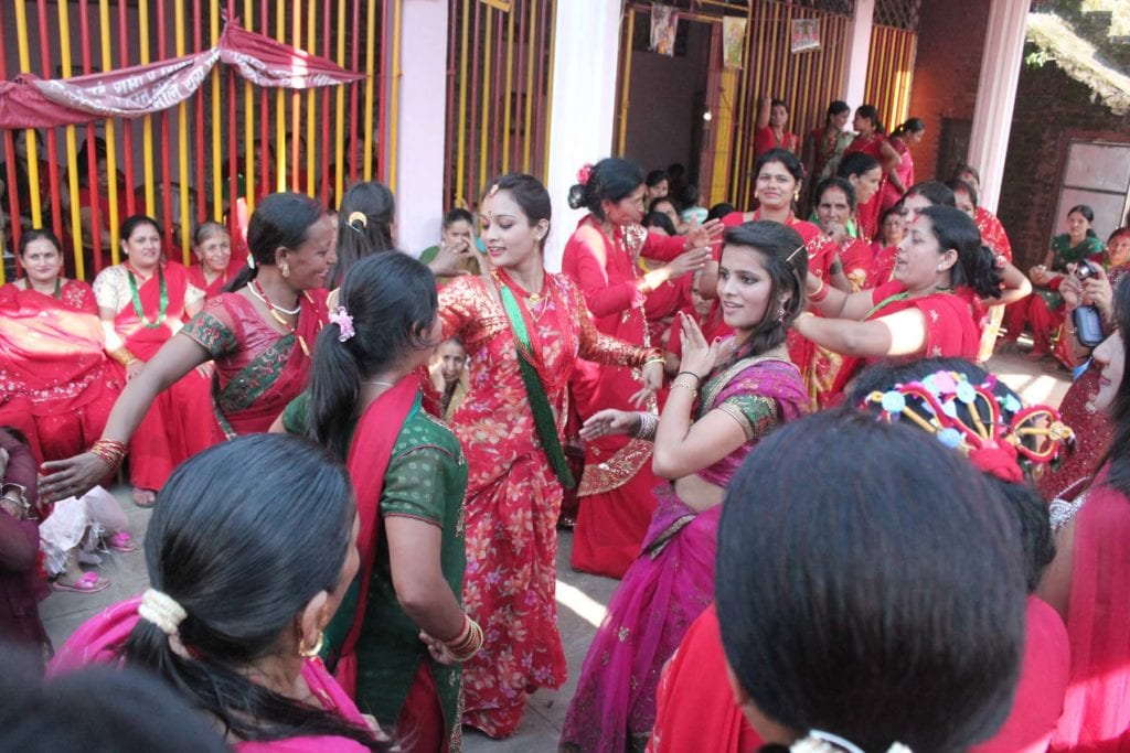 Women celebrating Teej | ©Wikipedia