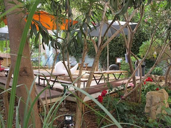 Courtyard of Saifi Urban Gardens | ©Courtesy Saifi Urban Gardens