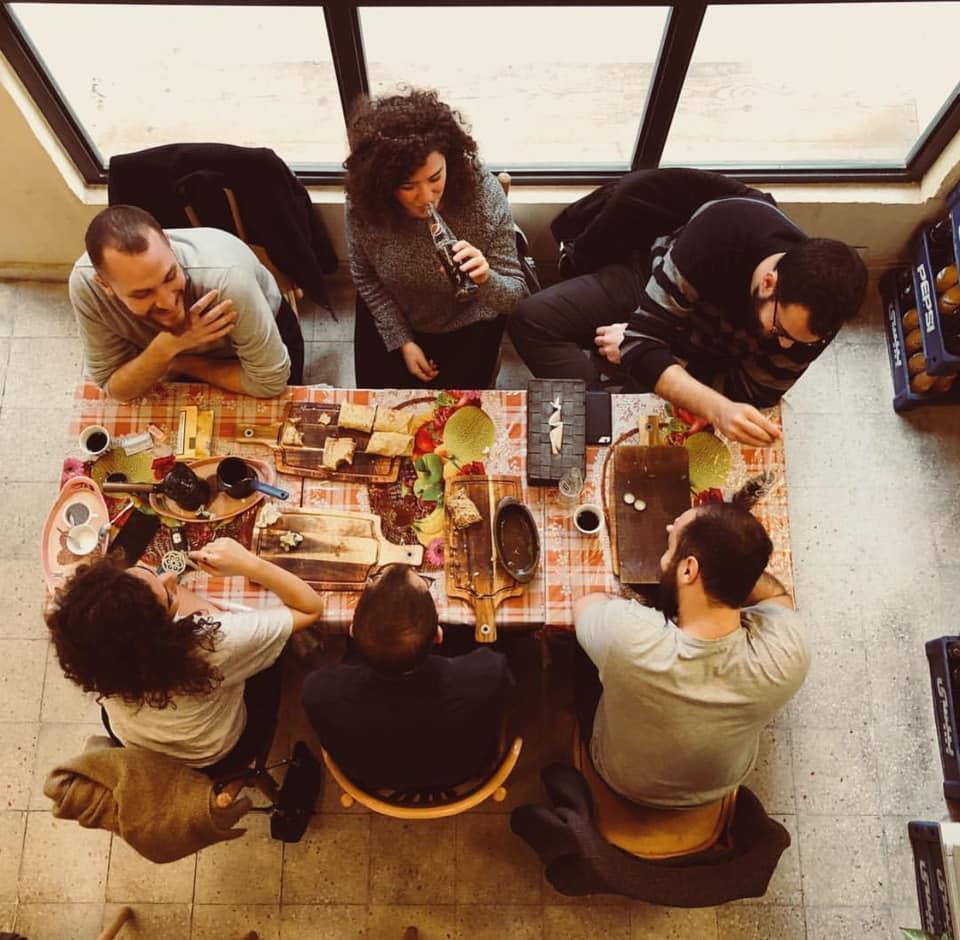 Gathering at Em Ali | ©Facebook/Em Ali