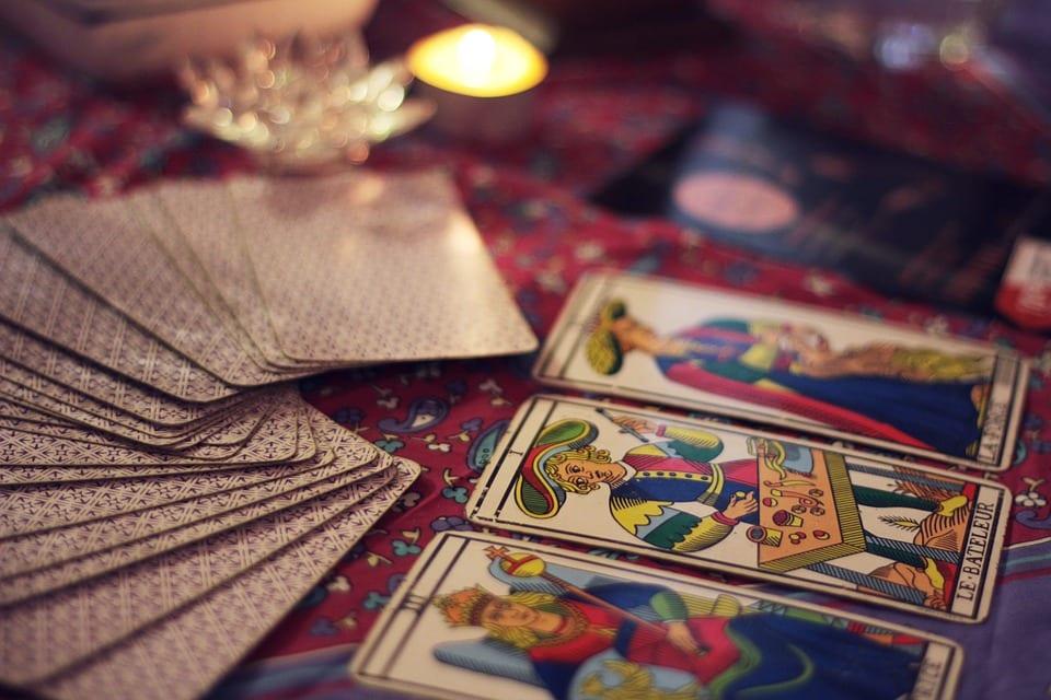 Tarot cards   © courtesy of pixabay