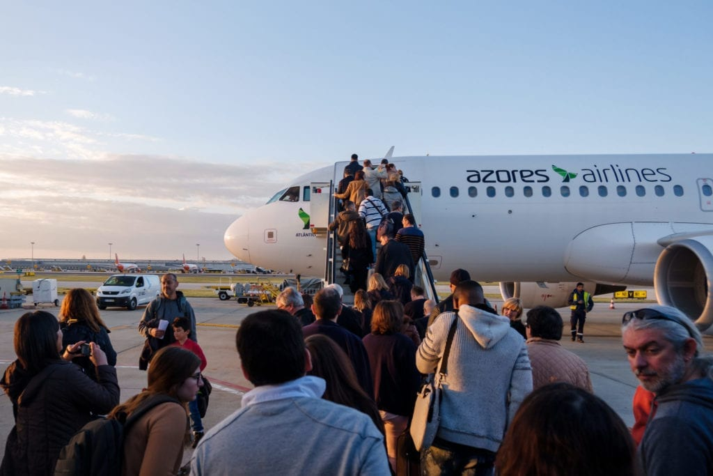 People boarding an airplane from the Azores Airlines (previously known as SATA) | © Shutterstock