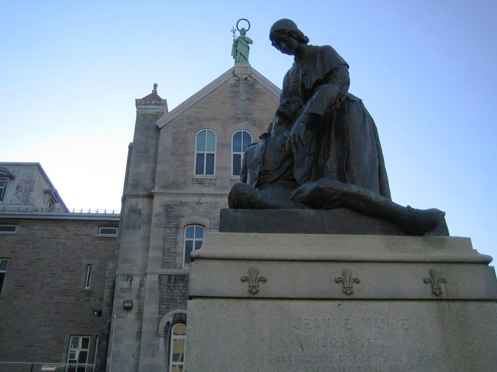 Statue of Jeanne Mance  | © Wikimedia Commons