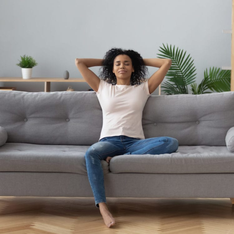 Safety Tips for First Time Female Couch Surfers