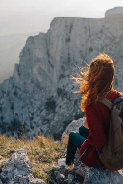A woman travels to the Ai-Petri in Crimea | © ViChizh/Shutterstock