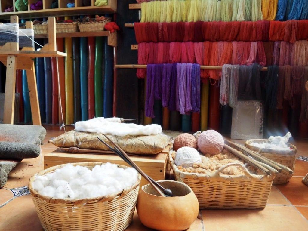 Organic cotton and natural dyes at Ixcaco | © Nikki Vargas/Unearth Women