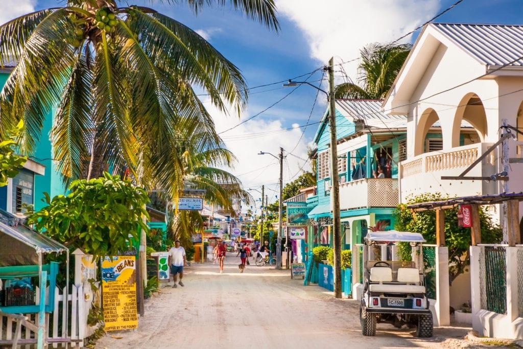 Playa Asuncion street on Caye Caulker island, Belize | © Aleksandar Todorovic